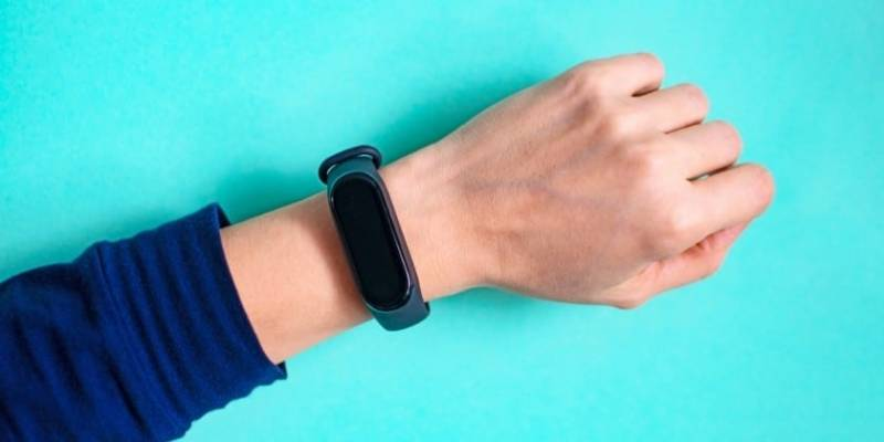 Fitbit vs Smartwatch